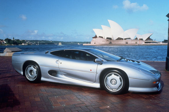 Jaguar XJ220